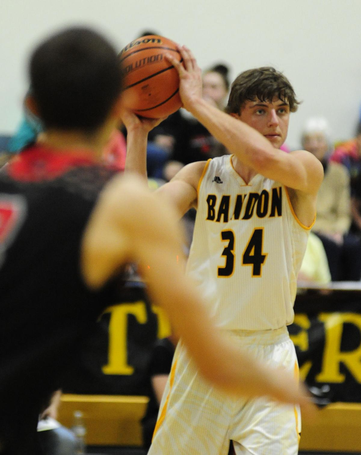 Bandon takes on Santiam at home