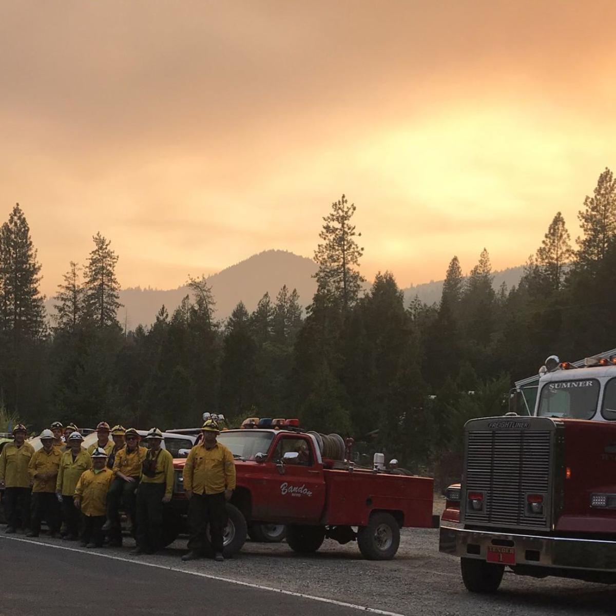 Coos County firefighters aid in fire near Grants Pass