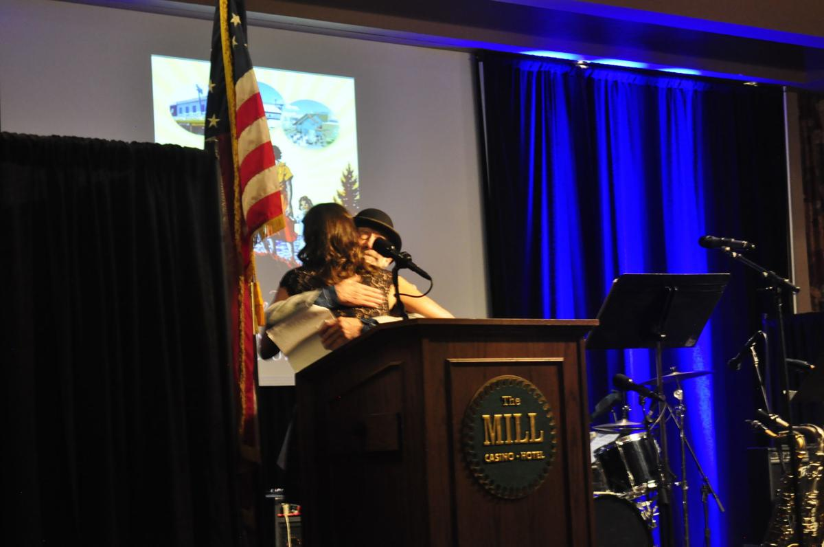 Chamber of Commerce Awards Changing of Presidents