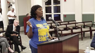 Vivian Hightower speaks to the Tifton City Council.
