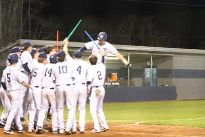 Manning homers in Tift win
