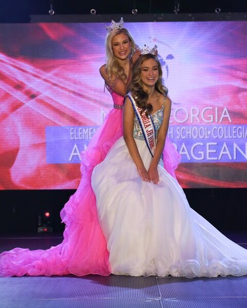 Meri Alyce Statham (Tifton, GA) was crowned Miss Georgia Junior High 2021.