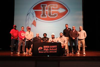 irwin's Lundy, Colson sign scholarships