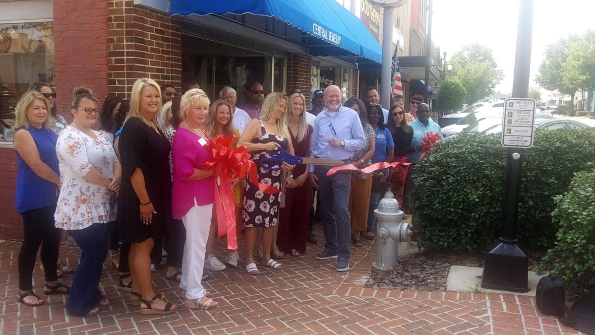 Central Jewelry celebrates reopening