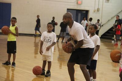 Williams coming home to host basketball camp