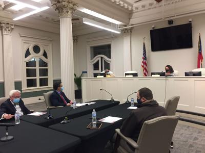 City Council extends the mask mandate with a 3-2 vote