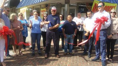 Victory Nutrition cuts ribbon on business