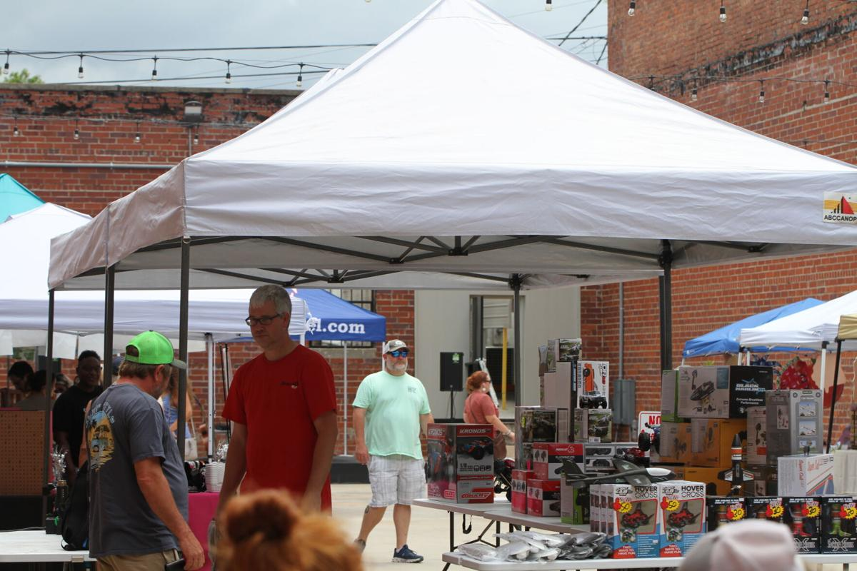 Rock the Block, Yard on Commerce bring crowds downtown