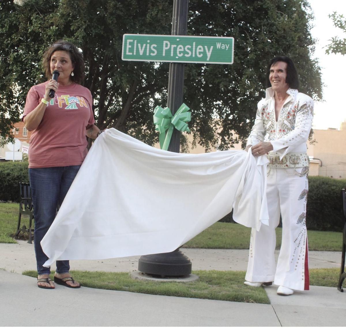 Elvis helped Tifton Mayor Julie Smith unveil a temporary street renaming at the festival.