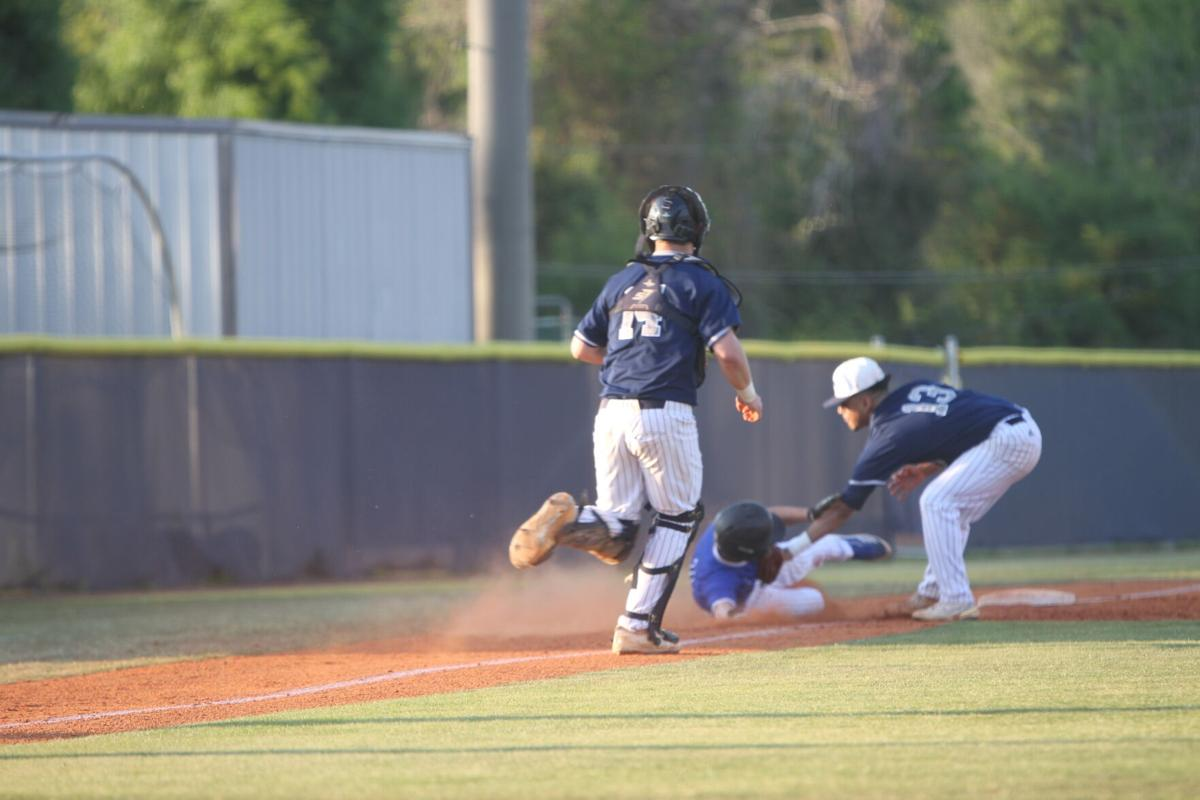 Pierce scores late to defeat Tift County