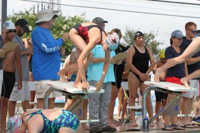 Tiftarea Tidal Wave swim team prepares for district