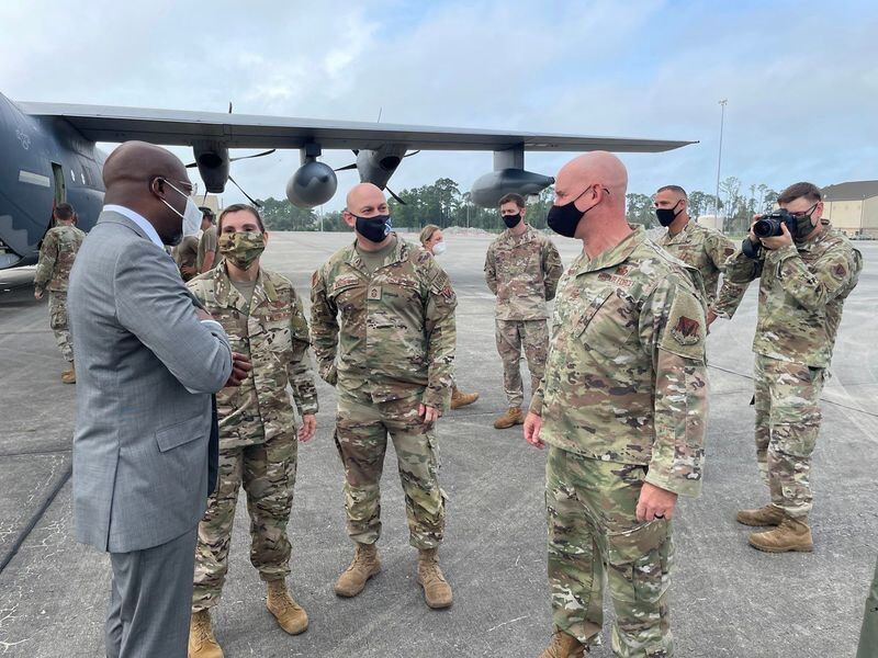 Warnock commends military at Moody AFB