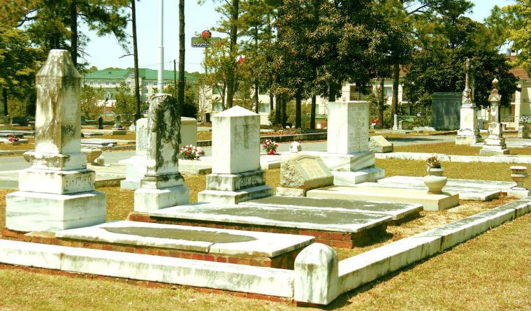 Work Being Done At Oakridge Cemetery To Help Find Graves