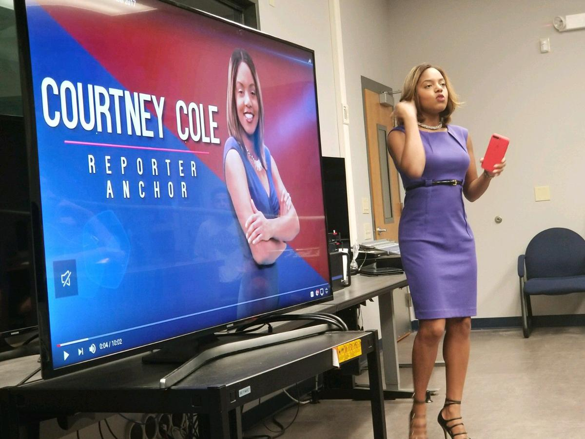 WSAV's Courtney Cole talks with JMC students about the news
