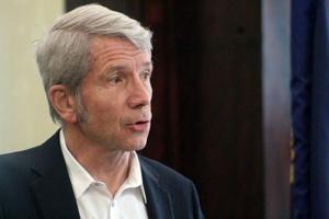 Rep. Kurt Schrader hosts virtual town hall for district