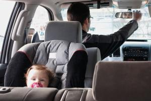 Healthy Families hosts car seat safety class at Adventist Health