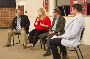 """<p class=""""p1"""">An open forum was held Wednesday at the Fort Payne City Auditorium featuring award-winning journalists and authors.<span class=""""Apple-converted-space""""></span></p>"""