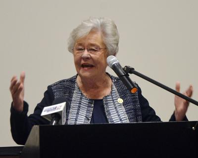 Gov. Ivey awards grant for pets in domestic violence situations