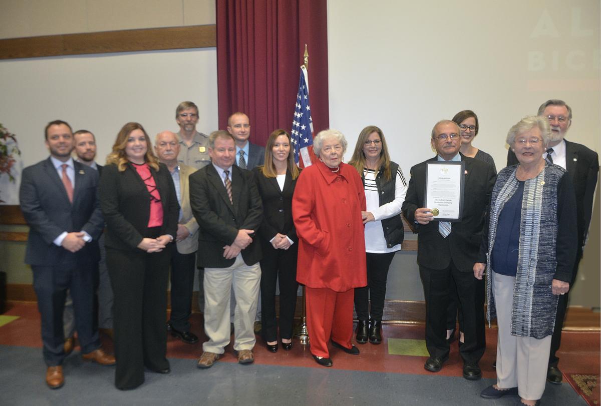 Gov. Ivey promotes bicentennial celebration in Fort Payne