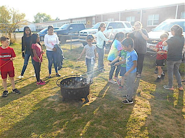Community Learning Center, fire department hold 'Read and Roast' for students in Collinsville