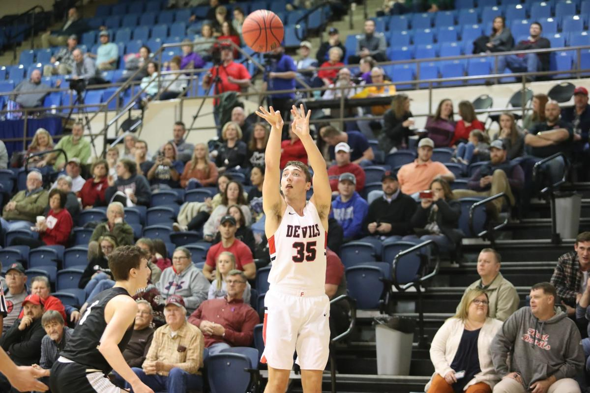 Gardner's 3-point prowess adds to Fyffe's historic run