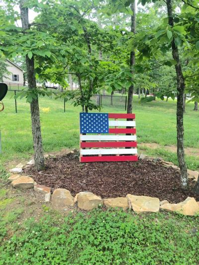 Couple turns used pallets into patriotic displays
