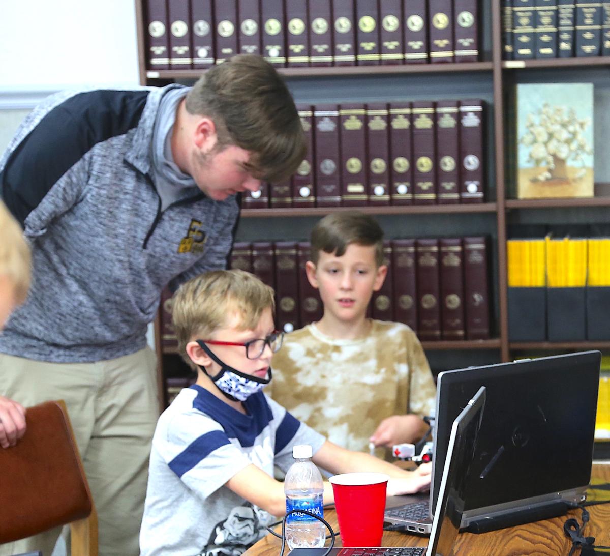 Robotics team connects STEM to community