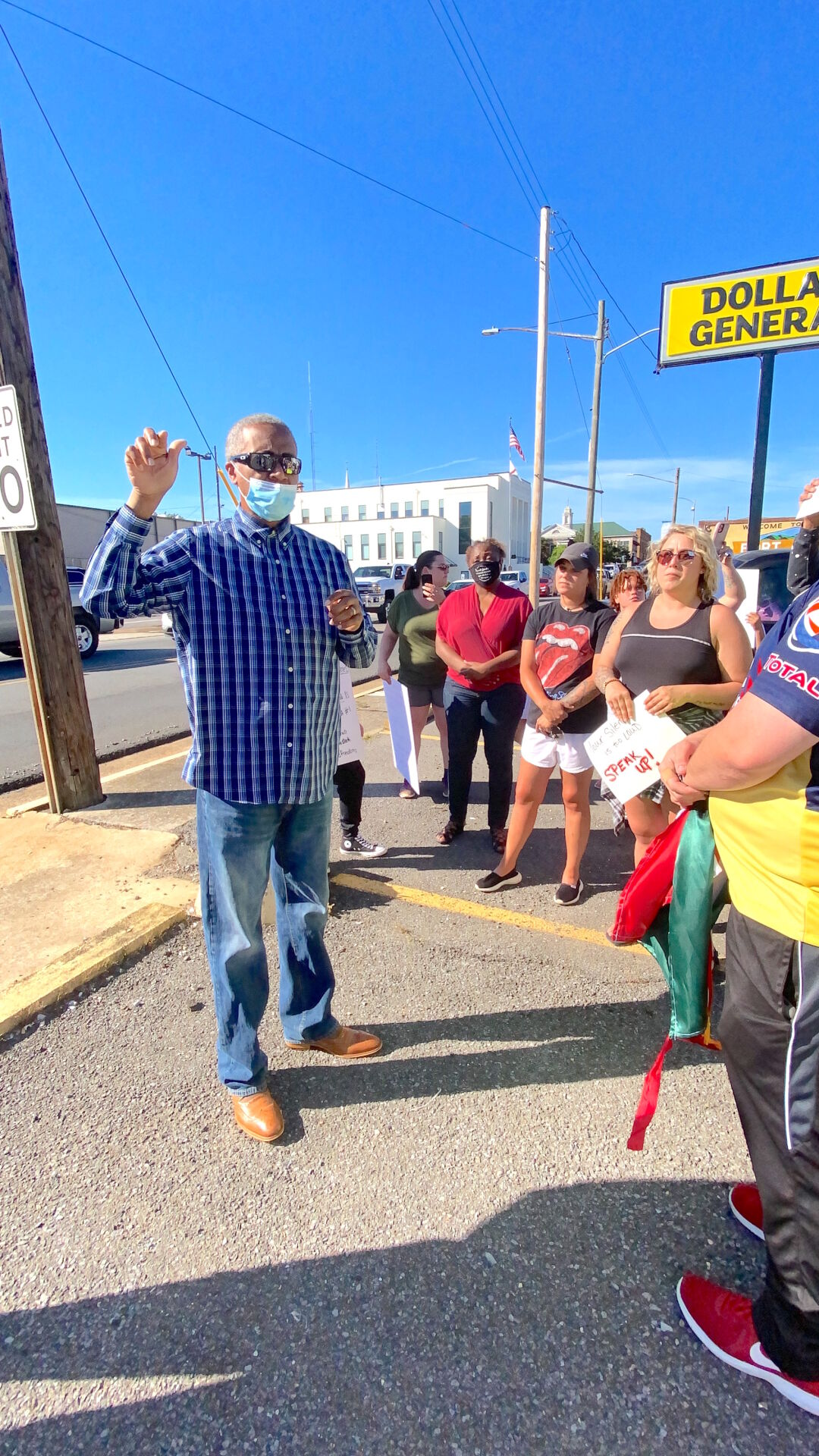 Peaceful protest held in downtown Fort Payne