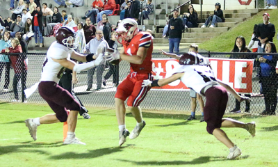 Big plays hurt Collinsville in loss against rival Sand Rock