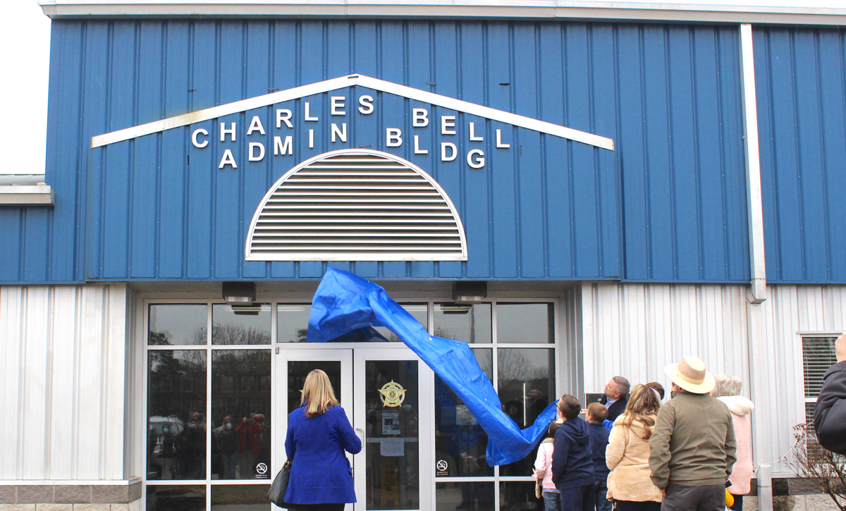 Sheriff's Office unveils new building names at dedication