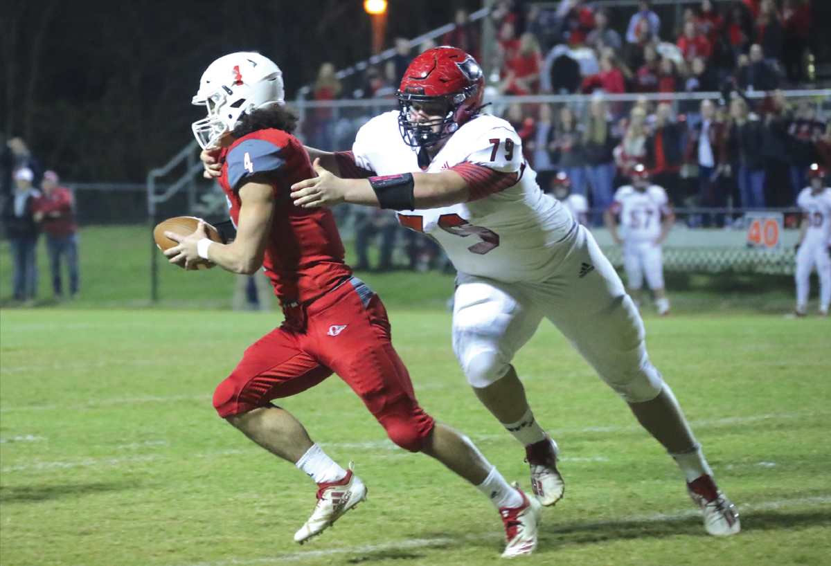 Red Devils roll into semifinals