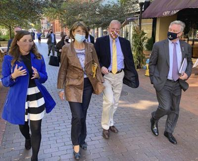 Broadband key topic as Congress members visit city