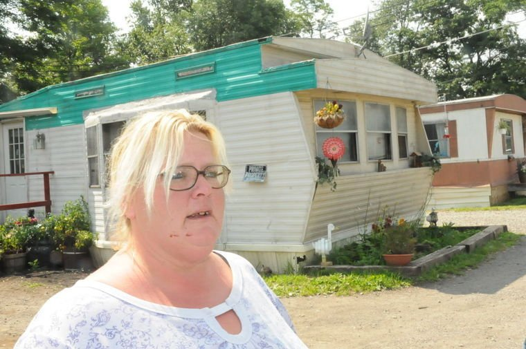 Bonnie Kent Of M W Mobile Home Park
