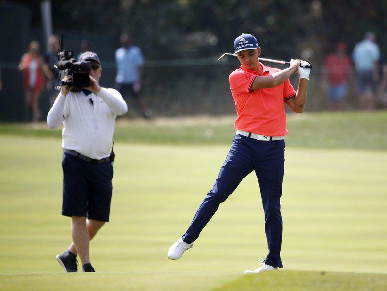 leishman maintains the lead at bmw championship sports times rh times news com