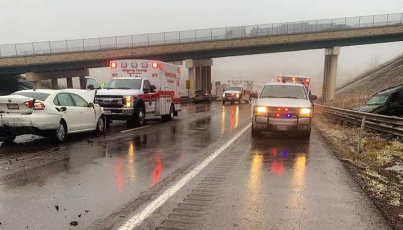 Estimated 25 vehicles involved in interstate crash
