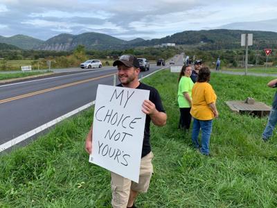 Union members protest vaccination mandate