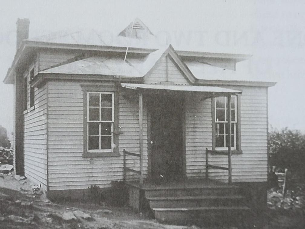 schoolhouse1.jpg