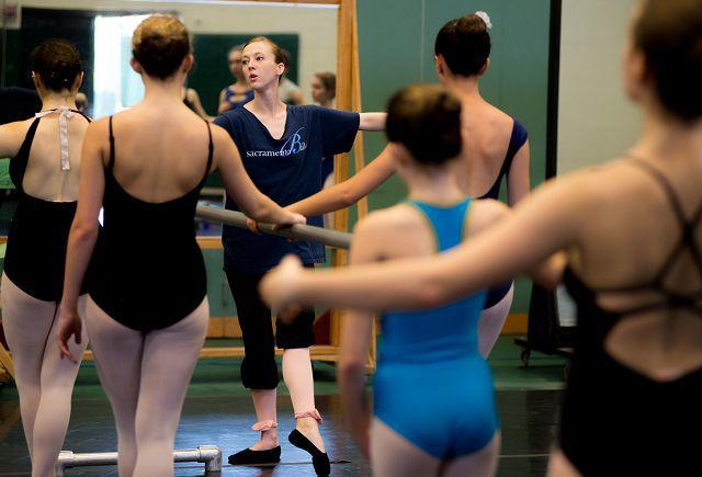 Burklyn Ballet Young dancers seek the world of professional ballet