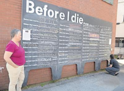 'Before I Die' wall invites your input
