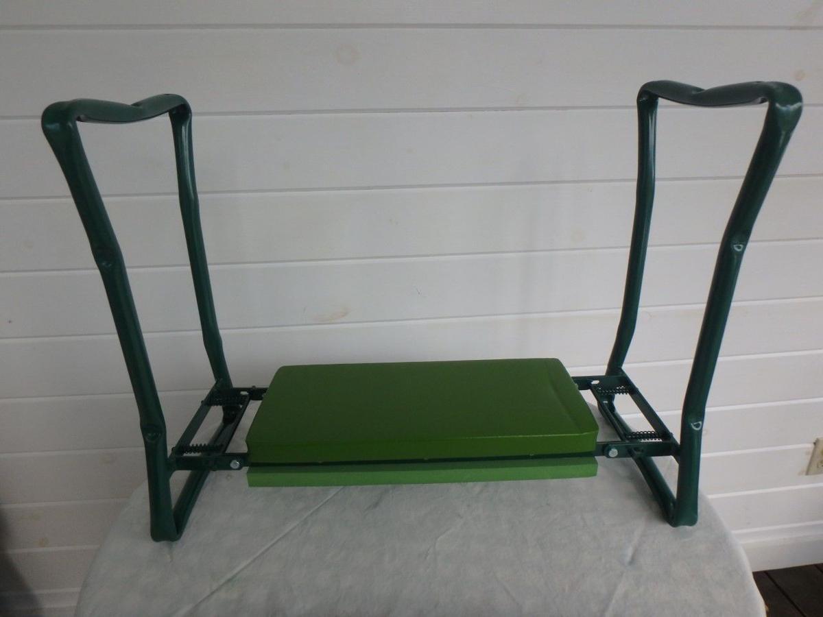 MAG_Garden kneeler from Gardeners Supply - Copy.jpg