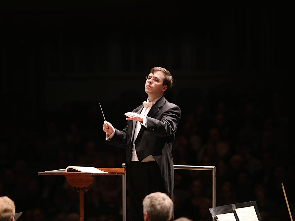Conductor for a weekend: James Feddeck takes on the VSO