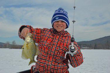 COMMl_Kids icefishing 4.jpg