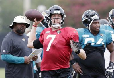 Foles won't suit up for Jags against his former team