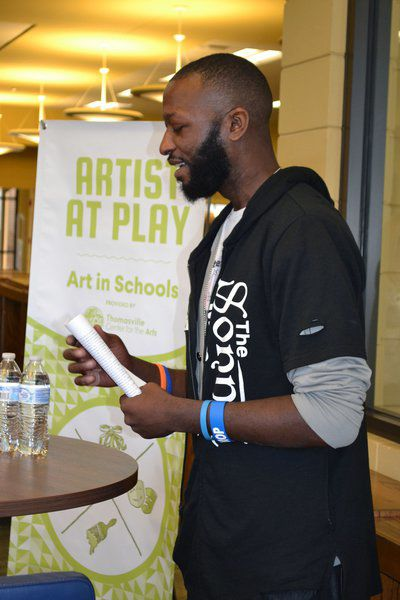 'The Sonnet Man' helps TCCHS students with their lines