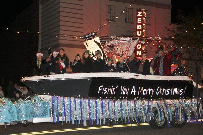 Annual Christmas Parade lights up Cairo
