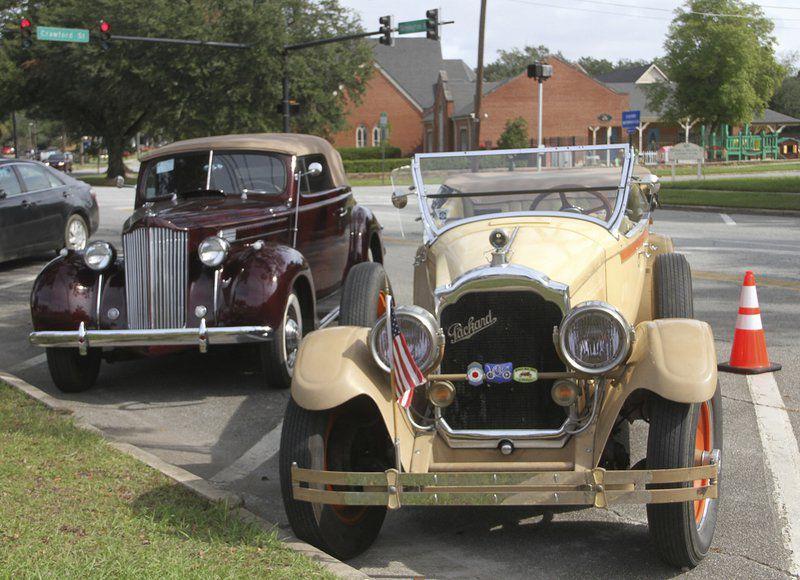 Packard fleet rolls into the Rose City