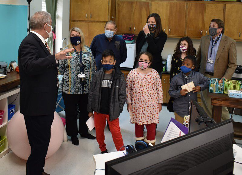 State Superintendent Woods visits Cross Creek Elementary