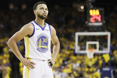 Curry's huge night can't keep Warriors from going down 2-1