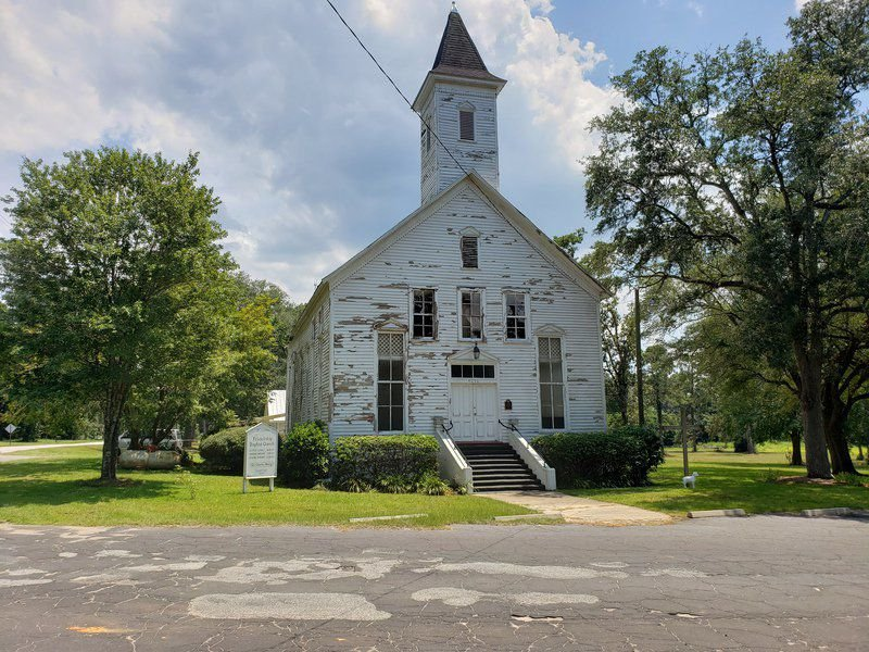 Historic Metcalfe Friendship Methodist Church receives a facelift