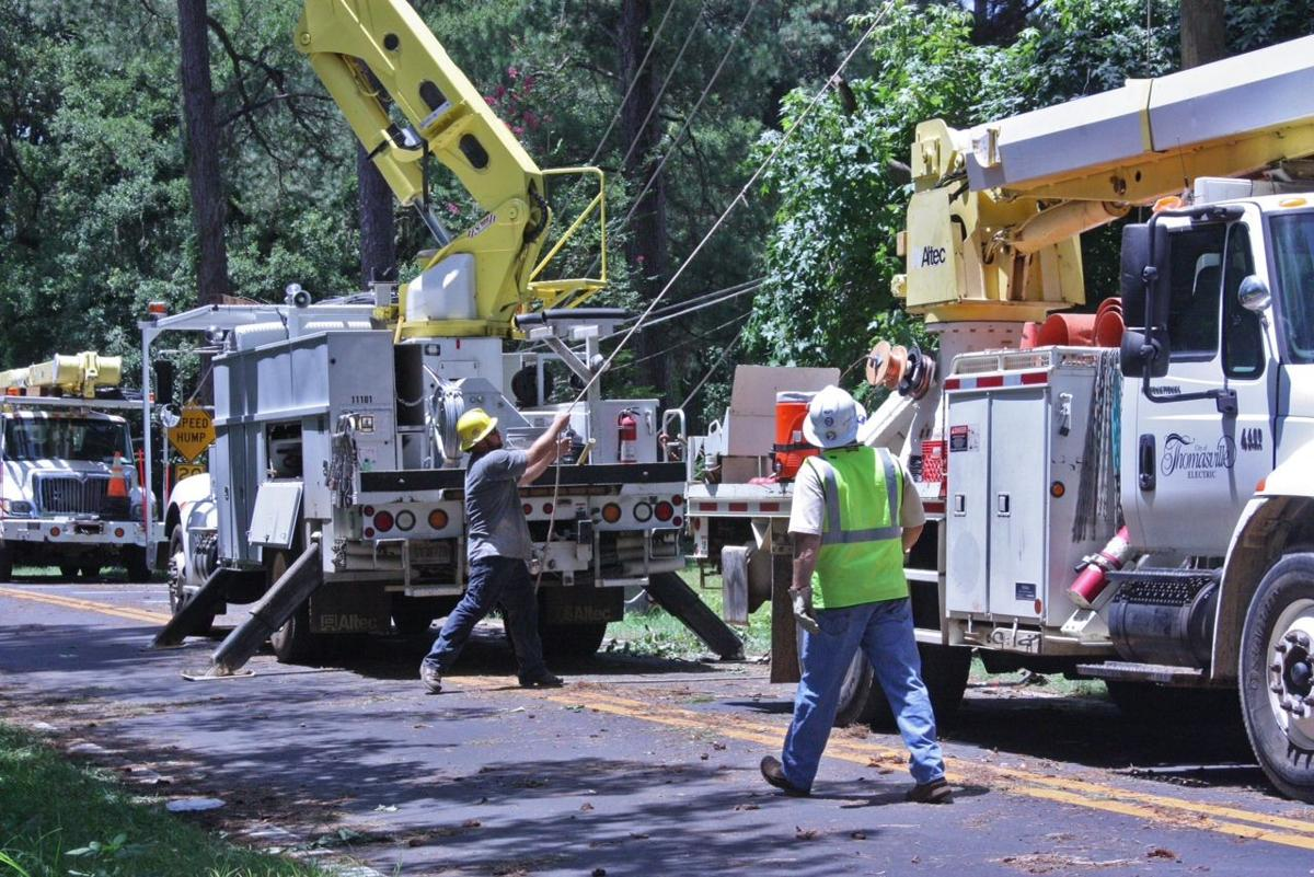 City Of Tallahassee Utility City Workers Assist Tallahassee Local News Timesenterprisecom